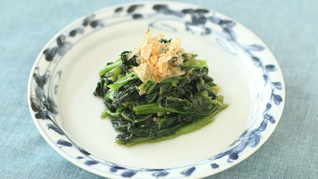 Spinach with soy sauce dressing