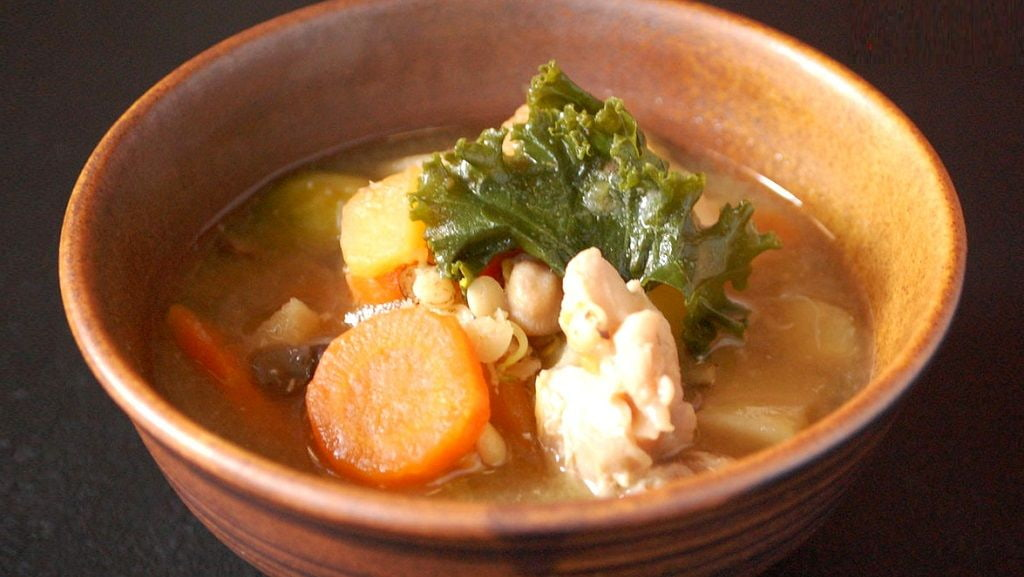 Miso Soup with Chicken and Vegetable(Kenchinjiru)